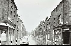 Roupell Street: looking east from Cornwall Road South London, Old London, Waterloo Station, Historical Pictures, Old Photos, Terrace, Street View, Waterloo London, Park