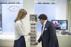 Gli occhiali firmati da Filippa Lagerbäck sono disponibili in esclusiva in 18 negozi Salmoiraghi & Viganò presenti in 16 città italiane.