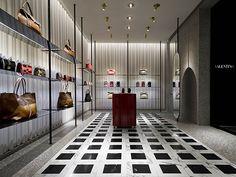 Valentino – Worldwide | Commercial & retail | Metis Lighting