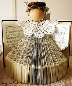 Hymnal Christmas Angel - I would love to make this for one of my devote…