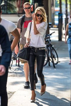 rosie huntington whiteley in leather pants