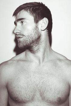 Beards- He's doing it right!