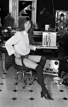 Jane Birkin with Serge Gainsbourg vinyl record with Bikin on the cover. Histoire De Melody Nelson