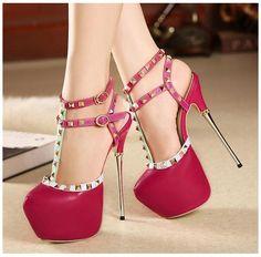 zapatos altos de moda