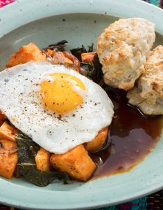 Recipe: Sweet Potato & Collard Green Hash with Sunny Side-Up Eggs, Molasses Butter & Biscuits - Blue Apron Breakfast Hash, Breakfast For Dinner, Breakfast Recipes, Great Recipes, Vegan Recipes, Vegan Food, Yummy Recipes, Recipe Ideas, Blue Apron