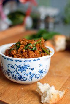 rote Linsen-Curry mit Spinat