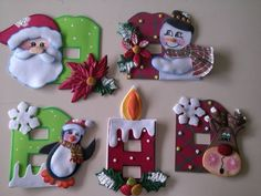 FELIZ DIA A TODOS CREACIONES LUZZMY LES OFRECE BELLOS APAGADORES NAVIDEÑOS POR ENCARGO. Christmas Crafts For Gifts, Christmas Ornaments To Make, Christmas Art, Christmas Projects, Christmas Wreaths, Christmas Quilt Patterns, Painted Ornaments, Snowman Crafts, Diy Weihnachten