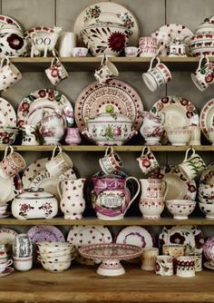 Designs by Emma Bridgewater, who talks about her life and her passion for pottery at the Buxton Festival Vintage Dishes, Vintage China, Style Anglais, Emma Bridgewater Pottery, Mugs And Jugs, Welsh Dresser, Pip Studio, Cozy Cottage, Home And Deco