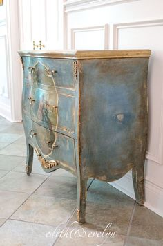 A French Chest ~ Edith & Evelyn Chalk Paint Furniture, Hand Painted Furniture, Steel Furniture, French Furniture, Shabby Chic Furniture, Vintage Furniture, Cool Furniture, Furniture Plans, Bedroom Furniture