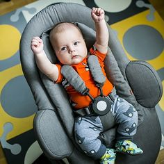 Ready for the breakfast of champions in his Stokke Steps Bouncer : @mamazawsze_pl