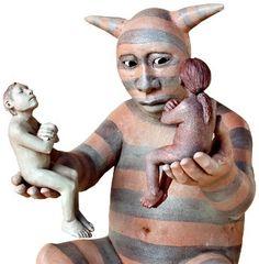 Роксана Суэнцел (англ. Roxanne Swentzell; род. 1962, Таос, Нью-Мексико) — потомственный скульптор-керамист родом из индейцев-пуэбло. Проживает в Санта-Клара-Пуэбло. Дочь Рины Наранхо Суэнцел — архитектора, керамиста и активиста движения пуэбло. Обучалась в Институте искусства американских индейцев в Санта-Фе, затем в школе при Портлендском музее искусств. В возрасте 22 лет Роксана впервые выставила свои произведения на Индейской ярмарке в Санта-Фе. Там же, в 1986 году, она завоевала в общей…