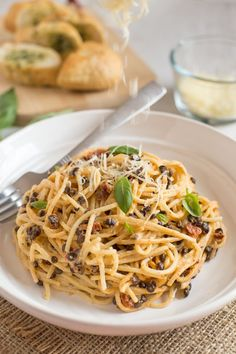 Smoky lentil carbonara - with tasty sun-dried tomatoes and puy lentils. An easy, vegetarian version of a spaghetti carbonara!