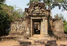 Prasat chrung, at Angkor thom area. http://amazingzon.org/angkor-thom