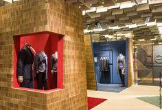 A4Adesign - mobili, complementi, oggetti e decorazioni in cartone Kiton Stand Pitti Immagine Uomo