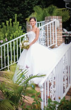 Bridal portrait on stairs. See more from this classy brown Nashville wedding in the fall by @zooom113!   The Pink Bride www.thepinkbride.com
