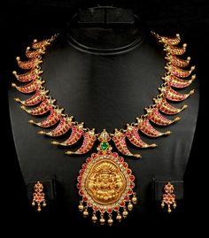 mango-mala-lakshmi-pendant