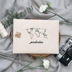 MAŁY, ALBUM Z PODRÓŻY Z MAPĄ ŚWIATA Passport, Wedding, Valentines Day Weddings, Weddings, Marriage, Chartreuse Wedding