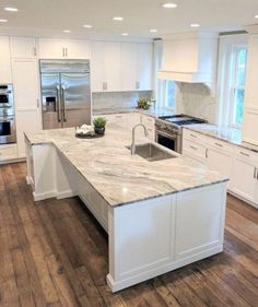 Supreme Kitchen Remodeling Choosing Your New Kitchen Countertops Ideas. Mind Blowing Kitchen Remodeling Choosing Your New Kitchen Countertops Ideas. Home Decor Kitchen, Kitchen Design Small, Kitchen Remodel, Modern Kitchen, Luxury Kitchen, Home Kitchens, Kitchen Style, Kitchen Renovation, White Kitchen Design