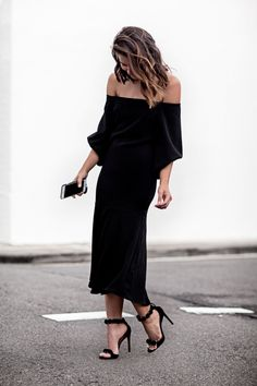 How to Dress Like Fashion Blogger Sara Donaldson—55 Outfit Ideas to Steal | Off-the-shoulder dress + heels @stylecaster