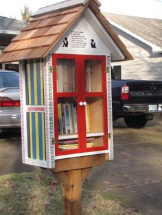 We just love these little free libraries. Have you seen them in your neighborhood yet?? ~ Linda Ague. Eugene, OR.