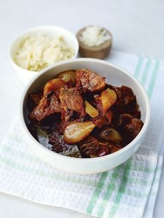 This beef stifado recipe from Jamie magazine is a delicious take on a classic. It's usually served with egg pasta or orzo, and the intense flavours are just delicious. Lamb Recipes, Greek Recipes, Cooking Recipes, Healthy Recipes, Greek Meals, Healthy Food, Duck Recipes, Yummy Food, Turkish Recipes