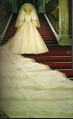 Front view of Princess Diana's Wedding Gown.  To think that I've seen this dress in the flesh is unreal!