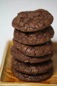 Dark-Chocolate Cookies with Espresso      I'm on an expresso role!