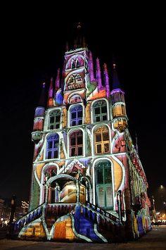 En Gouda, Holanda, cada Navidad se encienden las luces en esta Iglesia