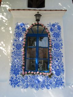 90 Year Old Grandma Turns Small Village Into Art Gallery With Hand Painted Flowers Mural Floral, Arte Floral, Floral Artwork, Pintura Exterior, Summer Painting, Time Painting, Traditional Paintings, Traditional House, House Painting
