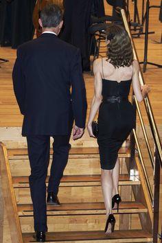 Queen Letizia of Spain Photos Photos - King Felipe VI of Spain and Queen Letizia of Spain attend the 'XXV Musical Week' closing concert at the Principe Felipe Auditorium during the 'Princess of Asturias 2016 Awards on October 20, 2016 in Oviedo, Spain. - 'Princesa De Asturias' Awards 2016 - Day 1