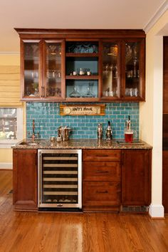 Triangular mini wine bar design can be chosen by having big budget for better options at the store, while small budget can go to the DIY projects in weekend. Basement Bar Designs, Home Bar Designs, Basement Ideas, Basement Bars, Home Wet Bar, Bars For Home, Built In Bar, Built Ins, Wet Bars