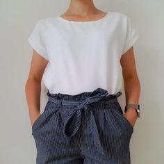 10 patrons gratuits pour coudre un t-shirt Shirts & Tops, Tee Shirts, Maxi Dress Tutorials, Couture Sewing, Couture Tops, T Shirt Diy, Blouse Designs, Outfit, Shorts