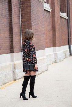 www.streetstylecity.blogspot.com Fashion inspired by the people in the street old-navy-dark-floral-tunic-dress-over-th-knee-boots-ruffle-choker-dressing-up-a-casual-dress-how-to-make-an-inexpensive-dress-look-expensive