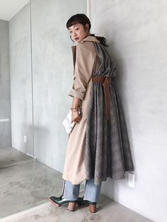 """Trenchcoat ünde effect op eenvoud Return to Elegance # trenchcoat £ trenchcoat # mode # moda Cool Street Fashion, Street Style, Fashion Moda, Womens Fashion, Fashion Details, Fashion Design, Inspiration Mode, Coat Dress, Contemporary Fashion"
