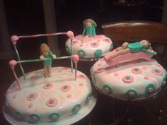 This gymnastic cake is a three level cake with each different round cake placed on a tiered stand. One each level, I baked a and 8 inch cake. 4th Birthday Parties, 7th Birthday, Birthday Cake, Birthday Ideas, Gymnastics Cakes, Gymnastics Birthday, 8 Inch Cake, Cupcake Cakes, Cupcakes