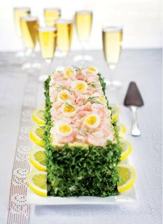 Cake Sandwich, Cobb Salad, Bread Recipes, Sushi, Rolls, Table Decorations, Ethnic Recipes, Food, Baby Shower