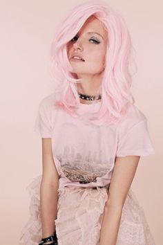 If you ever dye your hair pink again @Agata Rakovec Kurent Waclawska , do this pink!