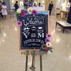 ウェルカムボードです❤️ 手作りアイテムで一番初めに作成したものです✨ #ウェルカムボード#結婚式#黒板#お花