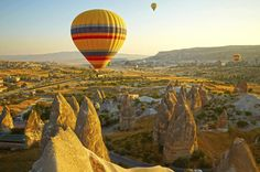 4-Night Cappadocia Tour from Istanbul Including Flights and Istanbul Sightseeing Tour Experience the best of Istanbul and Turkey's Cappadocia region on this 4-night tour with hotel accommodation and internal flights included. Visit Istanbul's top Byzantine and Ottoman landmarks, and be enchanted by Cappadocia's surreal landscapes and rock pinnacles, caves and villages on two days of sightseeing, visiting UNESCO-listed Göreme Open-Air Museum and Derinkuyu Underground City. F...