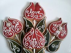 Gingerbread cookie flowers for Valentines Day   Cookmunk Cookies for any occasions
