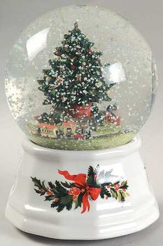 Pfaltzgraff, Christmas Heritage - Page 8 Christmas Snow Globes, Little Christmas, Christmas Colors, Christmas Gifts For Men, Christmas Wishes, Iphone Wallpaper Lights, Chrissy Snow, Musical Snow Globes, I Love Snow
