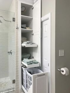 Small Bathroom Renovations 649785052474380042 - 53 trendy small master bathroom remodel layout basements Source by Bathroom Renovation, Shower Remodel, Bathroom Makeover, Bathroom Layout, Bathroom Renovations, Bathroom Design, Bathroom Storage, Closet Layout, Trendy Bathroom