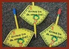 Free!! Dr. Seuss pencil toppers & banner!!!