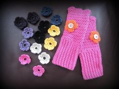 Really pretty fingerless gloves. The flowers just slip right onto the buttons, so you can change them up when you want a different color! Fingerless Gloves, Raven, Different Colors, Crochet Necklace, Buttons, Change, Pretty, Flowers, Diy