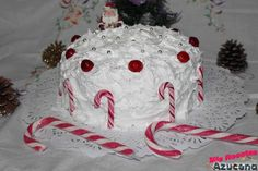 Pastel Navideño de cerezas y merengue