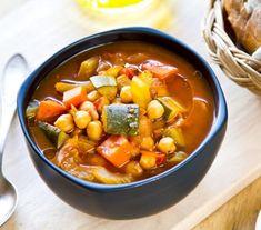 Ratatouille, Chana Masala, Thai Red Curry, Chili, Ethnic Recipes, Ideas, Yummy Snacks, Crock Pot, Vegetables Garden