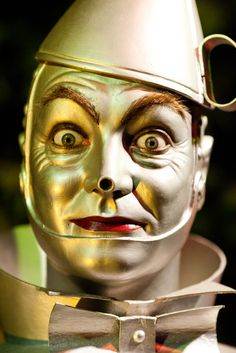 Surprised Tin Man www.blamehelenabooks.com Dorothy Jones A Jazz Age Trip Through Oz