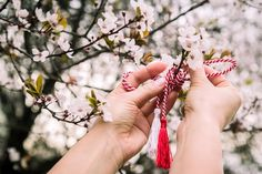Romanian Culture: A World of Its Own Connect The Dots, Spring Sign, Xmas Holidays, Red Color, Diy And Crafts, Red And White, Art Photography, Culture, Traditional