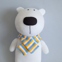 Cute polar bear... I wish I could sew!