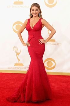 We rue the day Sofia Vergara wears anything but a skin-tight jewel toned mermaid dress, or shows up with a posse of less than 20, on the carpet #Emmys
